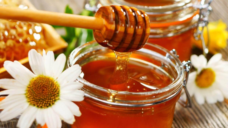 1 bộ sản phẩm trị mụn Goldskin nọc ong đầy đủ gồm những gì?
