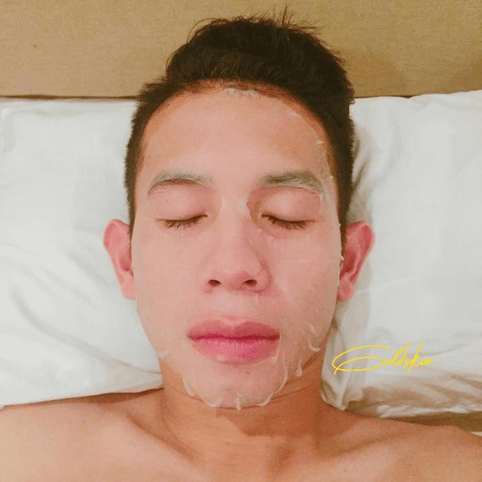 Đắp mặt nạ cấp ẩm cho da đủ nươc