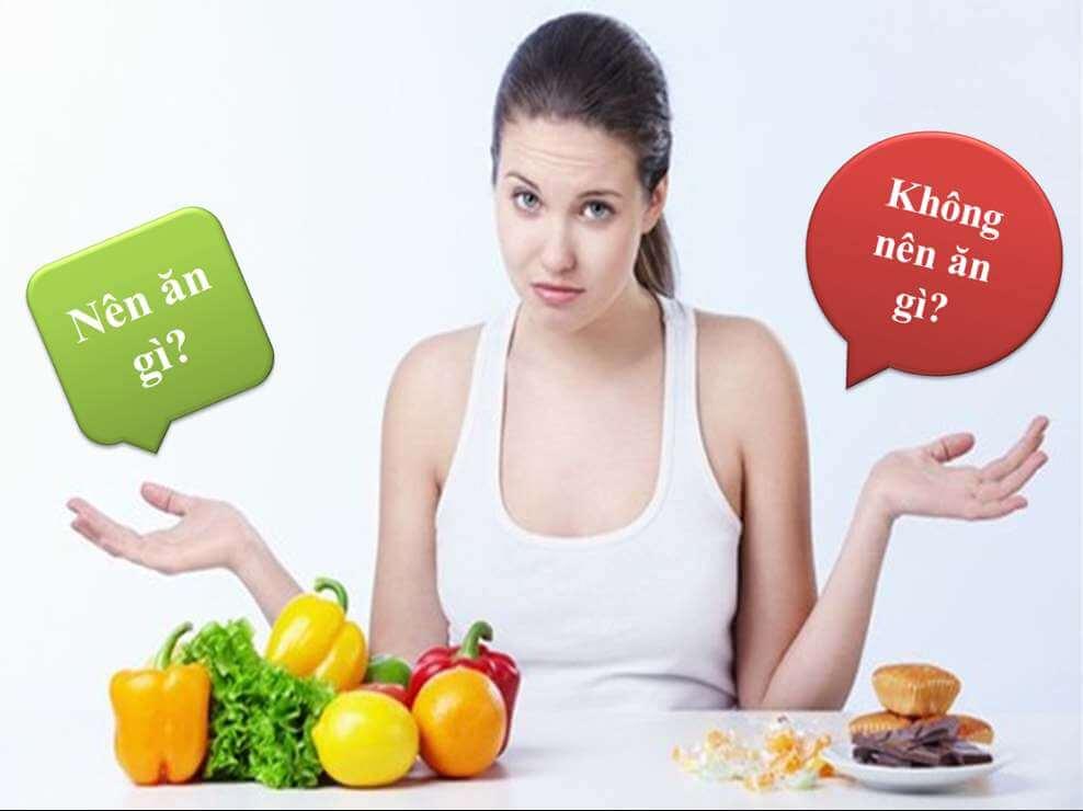 Khi bị mụn không nên ăn gì?