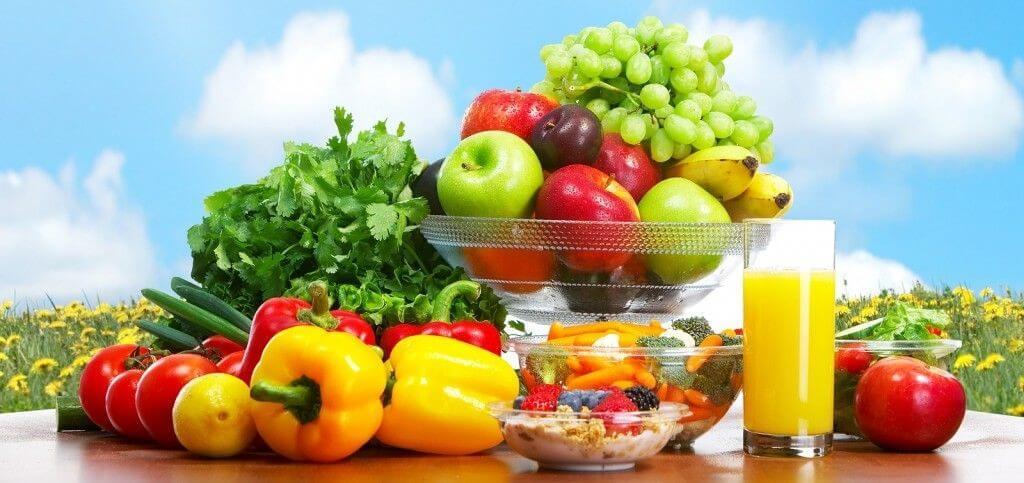 Ăn uống khoa học, lành mạnh là yếu tố tiên quyết để giúp ngăn ngừa mụn sưng viêm