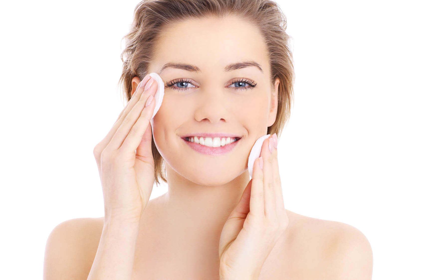Giữ da sạch sẽ, thoáng mát để loại bỏ vi khuẩn gây mụn