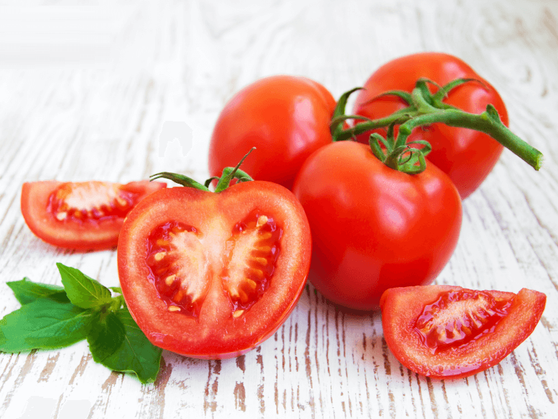 Cà chua có thể trị mụn đầu đen