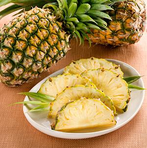 Mặt nạ trái cây từ thơm sẽ giúp loại bỏ mụn đầu đen nhanh chóng