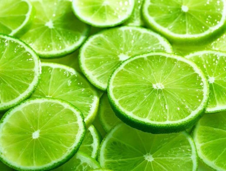 Chanh có thành phần chính là vitamin C và các chất chống oxy hóa vô cùng cao