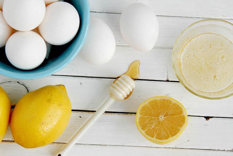 Loại bỏ mụn đầu đen nhanh chóng bằng cách kết hợp lòng trắng trứng với nước cốt chanh