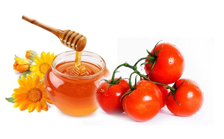 Mặt nạ kết hợp giữa mật ong và cà chua để xóa sạch mụn đầu đen