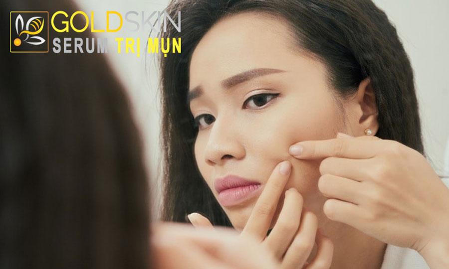 Nặn mụn không đúng cách sẽ tạo ra sức ép lên trên da, làm các ổ viêm và nhiễm trùng lan sâu vào da hơn