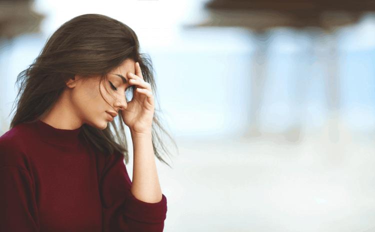 Stress cũng là 1 trong những nguyên nhân hình thành mụn nội tiết