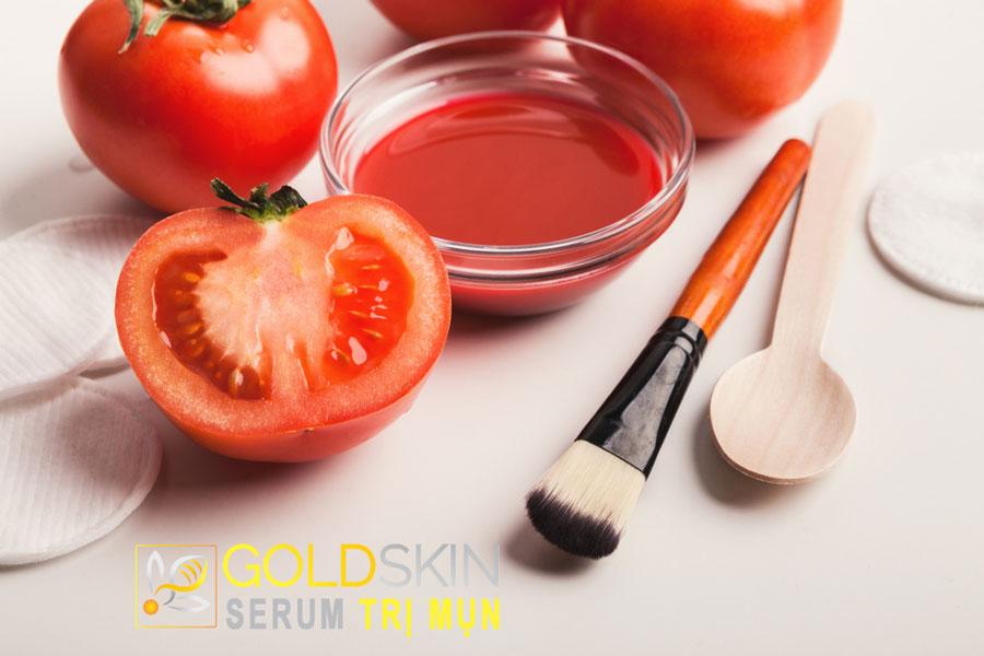 Mặt nạ trị mụn từ cà chua và bột mì