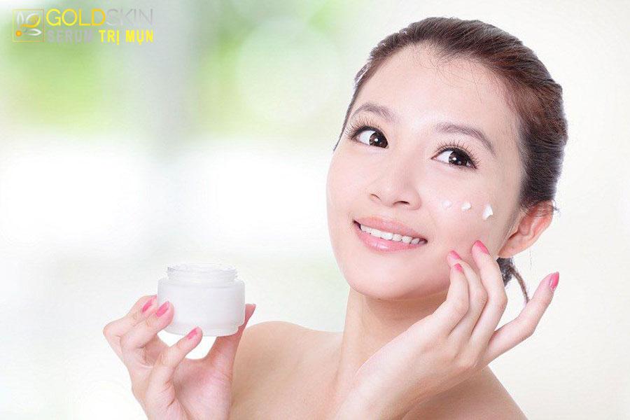 Kết hợp serum và kem dưỡng ẩm giúp chăm sóc da tốt hơn