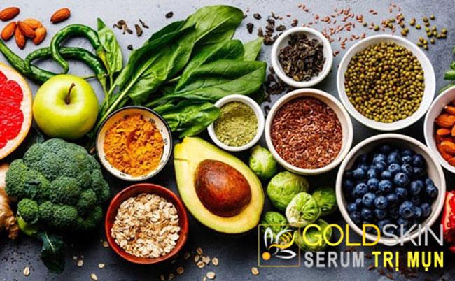 Chế độ ăn uống hợp lý sẽ giúp tình trạng mụn cải thiện ngày càng tốt hơn