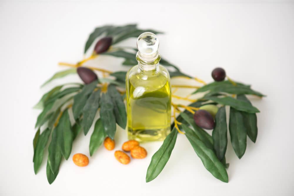 Hỗn hợp đường hòa chung với dầu jojoba hỗ trợ giúp loại bỏ đi mụn đầu đen và giúp giữ ẩm cho làn da