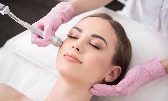 Microdermabrasion – kỹ thuật siêu mài mòn da phù hợp để điều trị đốm nâu và thâm mụn