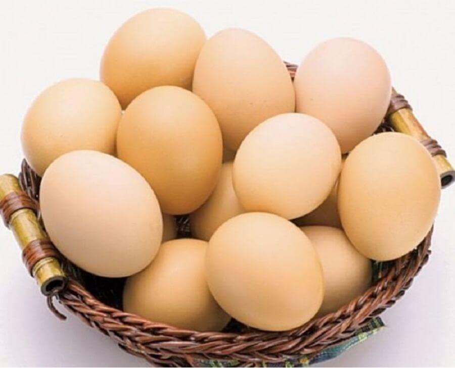 Với một quả trứng gà và một miếng vải mềm có thể tạo một chiếc mặt nạ trị mụn