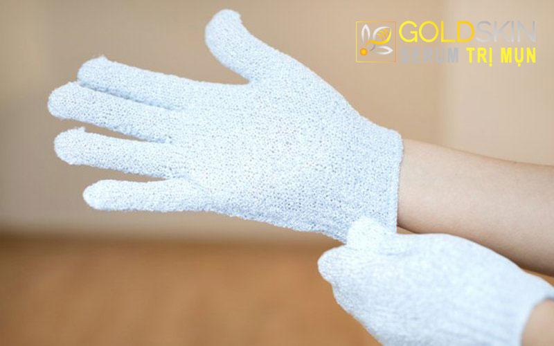 Găng tay tẩy tế bào chết được dùng cho những vùng da rộng
