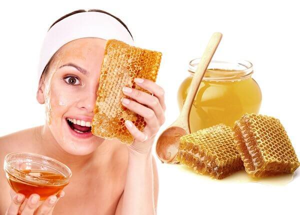 Mật ong hiệu quả trong viêc trị mụn ẩn tại nhà