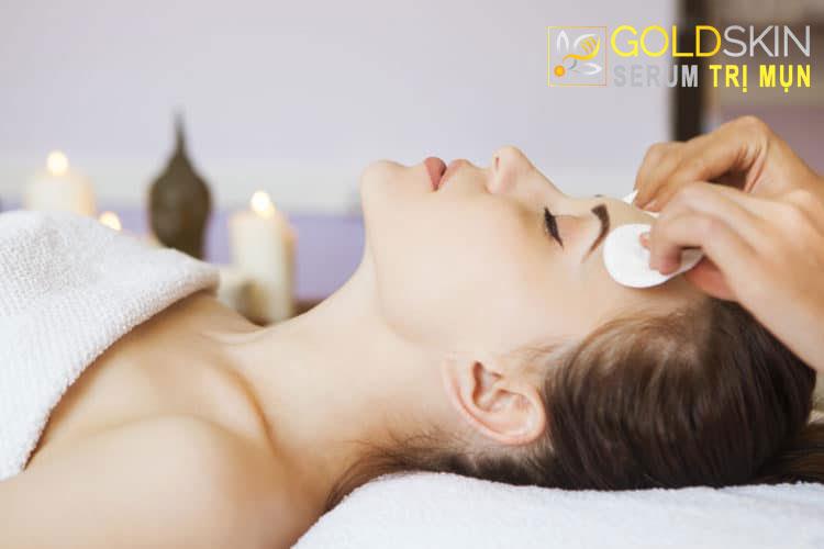 cần làm sạch da để thược hiện liệu pháp tiêm không kim
