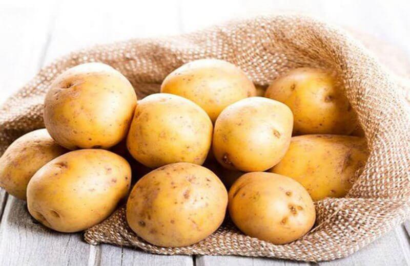Khoai tây chứa nhiều chất chống oxy hóa và vitamin tốt cho da như A, E, C, B1, B2