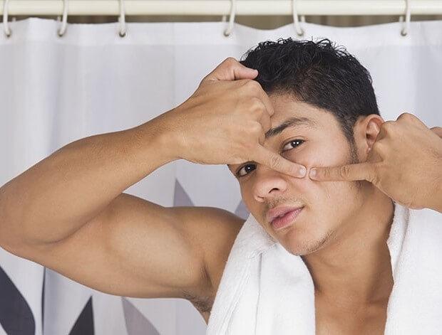 Sản phẩm dưỡng da tạo ra một lớp dày và nhờn sẽ gây ra mụn hơn là giúp tránh mụn đầu đen