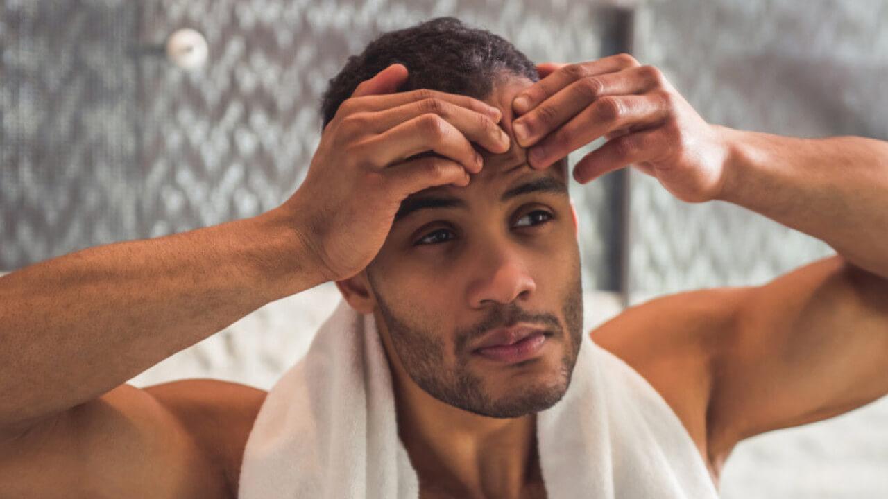 Nam giới lại thường lười chăm chút làn da hàng ngày nên cần một biện pháp đơn giản