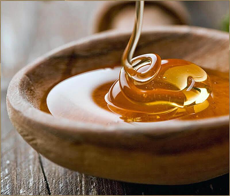 Mật ong có chứa nhiều chủng vitamin giúp làm đẹp da như vitamin B1, B12, B3, B5, B6, K, E, C
