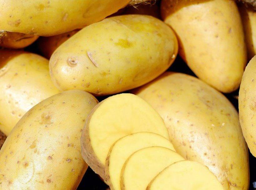 Trong khoai tây có thành phần tốt cho da mặt: Vitamin C, Beta-carotene, Vitamin B, khoáng vật và chất chống oxy hóa,…