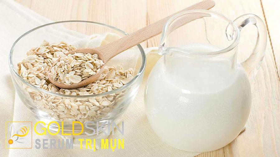Bột yến mạch và sữa chua đều có giá trị giàu dinh dưỡng