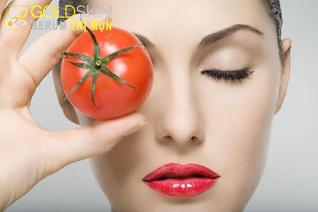 Cà chua là bí kíp giúp làm hết mụn đầu đen rất hiệu quả