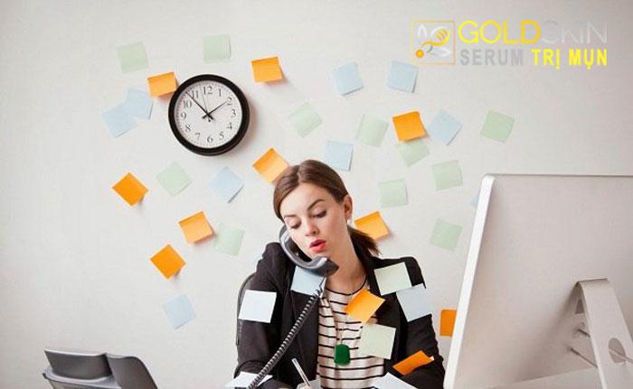 Stress khiến tình trạng da hỗn hợp trở nên nghiêm trọng