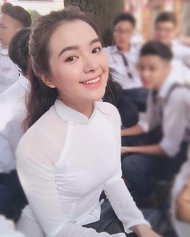 Hồ Thiên Trang là cựu học sinh trường THPT Trần Phú