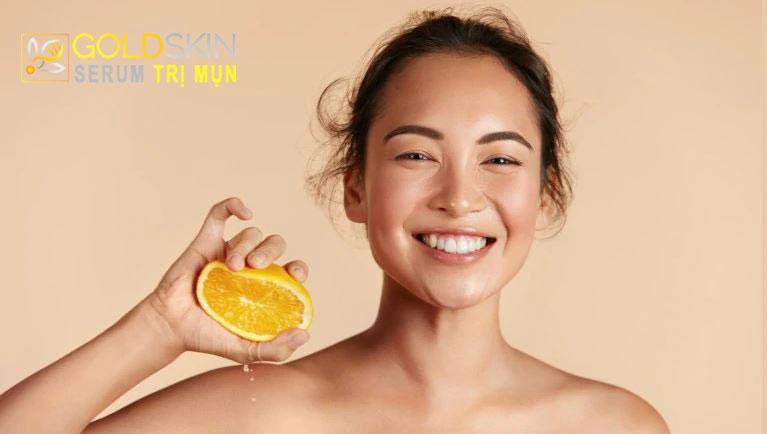 Dùng Vitamin C trị mụn có được không?