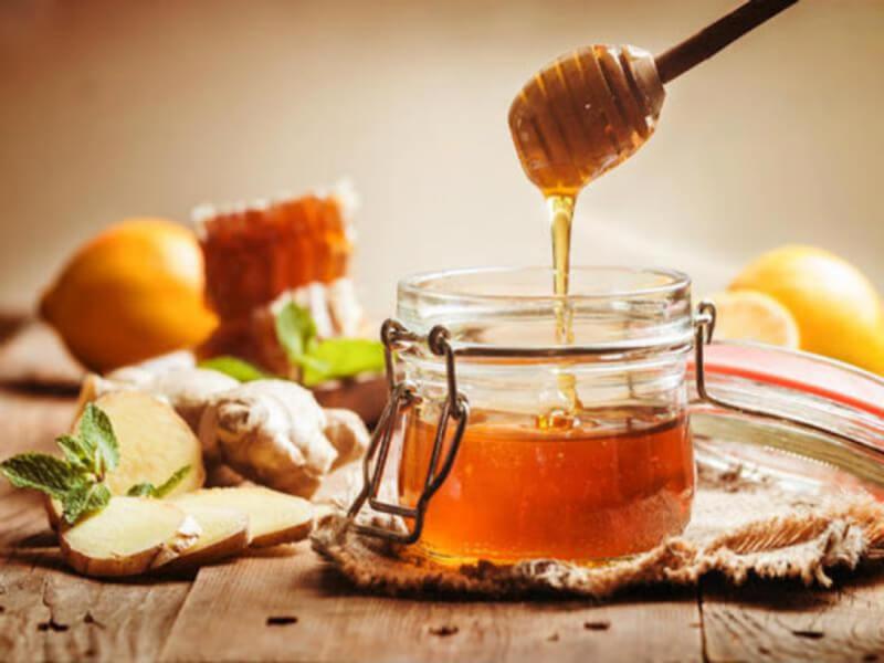 Mật ong là sản phẩm thông dụng có tác dụng đối với việc làm đẹp cho da