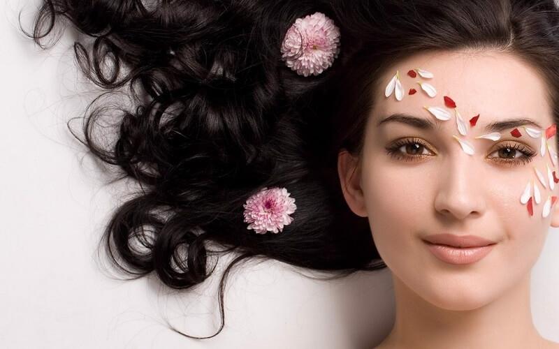 Có thể 2 ngày gội 1 lần để đảm bảo dầu thừa trên da hay bụi bám trên tóc sẽ được làm sạch