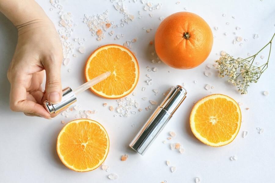 Vitamin C được phái đẹp tin dùng để trị thâm