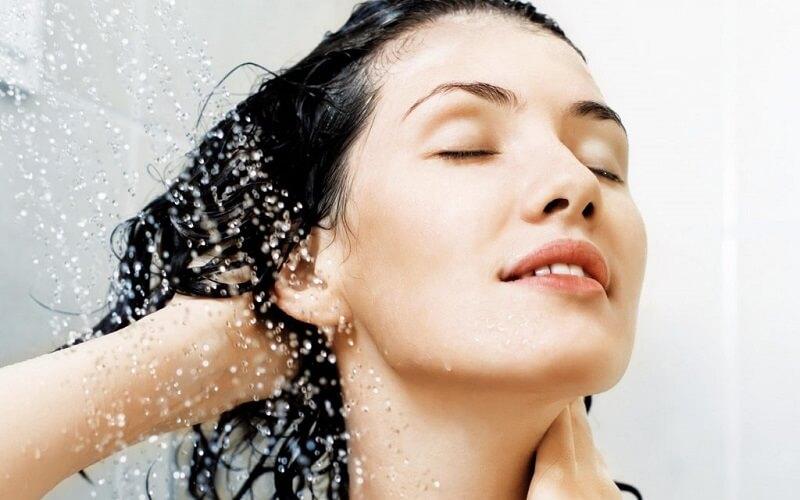 2 ngày gội 1 lần để đảm bảo dầu thừa trên da hay bụi bẩn bám trên tóc được làm sạch