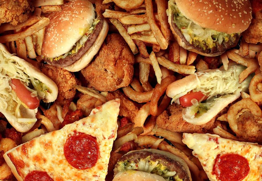 Chế độ ăn uống không hợp lý có hại cho làn da và sức khỏe