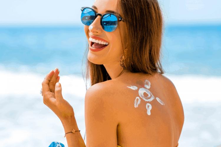 Chăm sóc làn da đúng cách giúp bạn cải thiện tình trạng mụn
