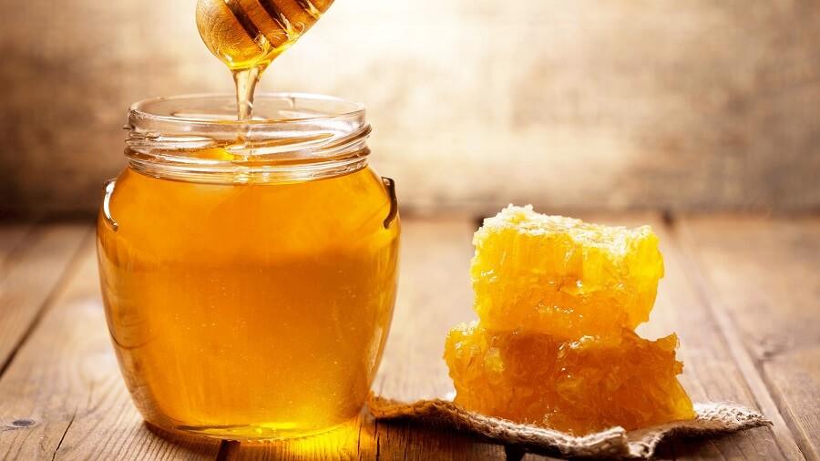 Điều trị mụn bằng mật ong sẽ hiệu quả, an toàn và tiết kiệm chi phí nhưng cũng có một số chú ý