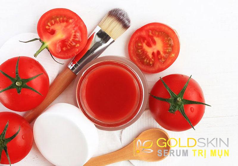 Trong cà chua có chứa hàm lượng lớn nhiều vitamin A, C, B, E cùng với nhiều khoáng chất giúp dưỡng da