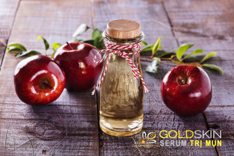 Cách trị vết thâm và mụn đầu đen bằng giấm táo