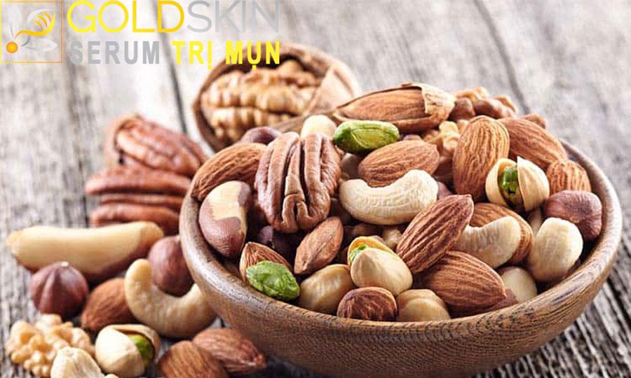 Trong các loại hạt có nhiều dưỡng chất giúp trị mụn ẩn