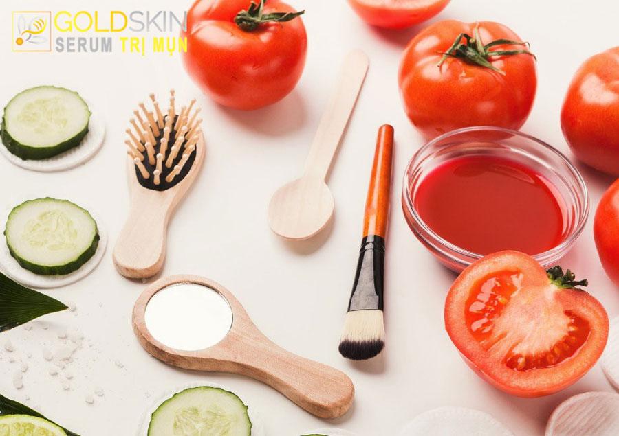 Cách trị mụn đầu đen hiệu quả tại nhà bằng cà chua
