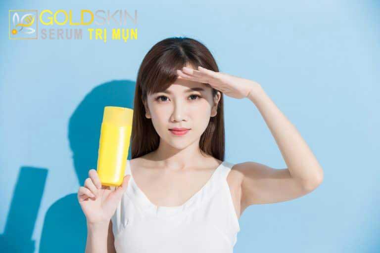 Thoa kem chống nắng SPF30+ mỗi ngày