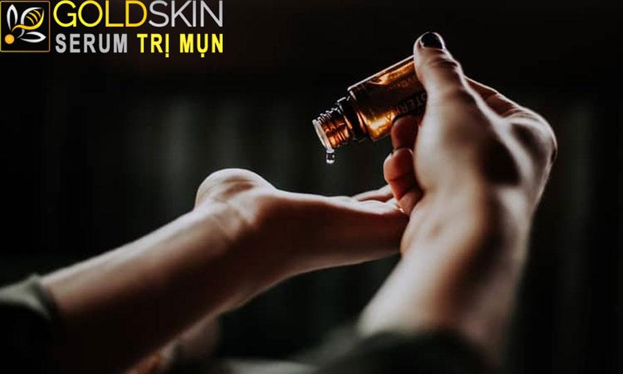 Giảm sự kết dính của các tế bào da chết gây tắc lỗ chân lông, cũng như đẩy nhanh tốc độ của quá trình tái tạo da