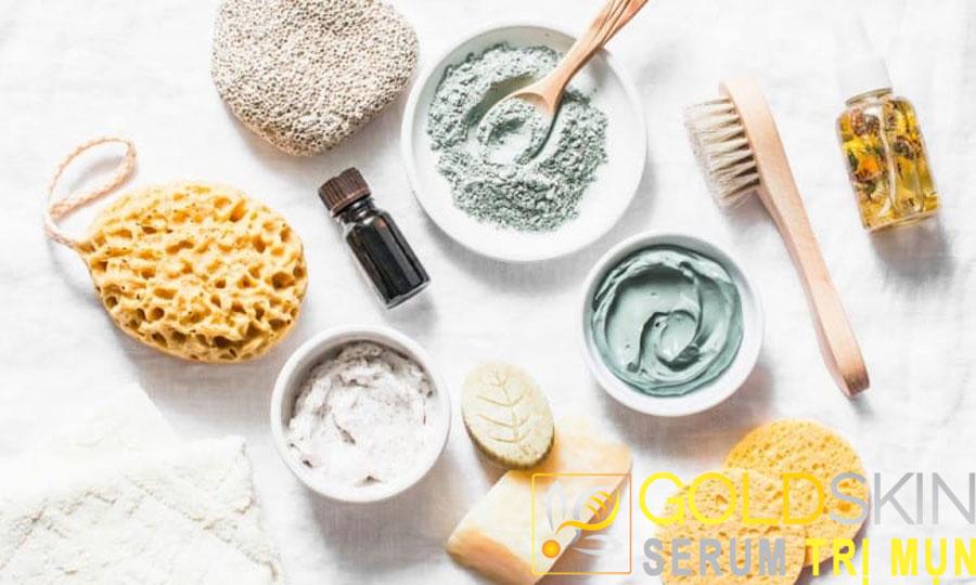 Tẩy da chết là 1 trong những phương pháp hiệu quả để trị mụn cám