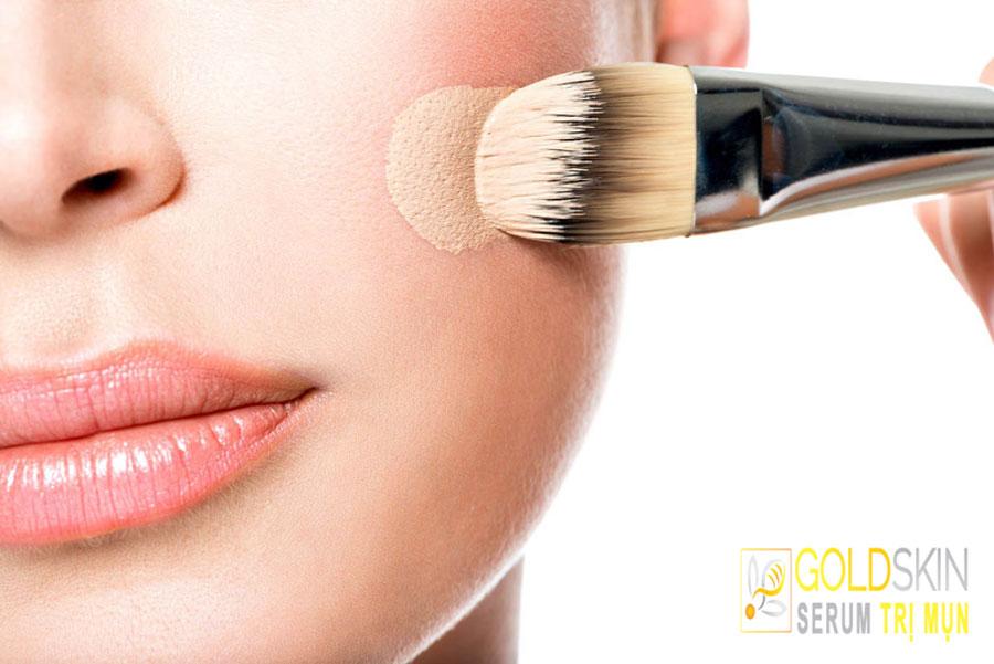 Kem nền giúp tạo lớp trang điểm mỏng nhẹ cho làn da