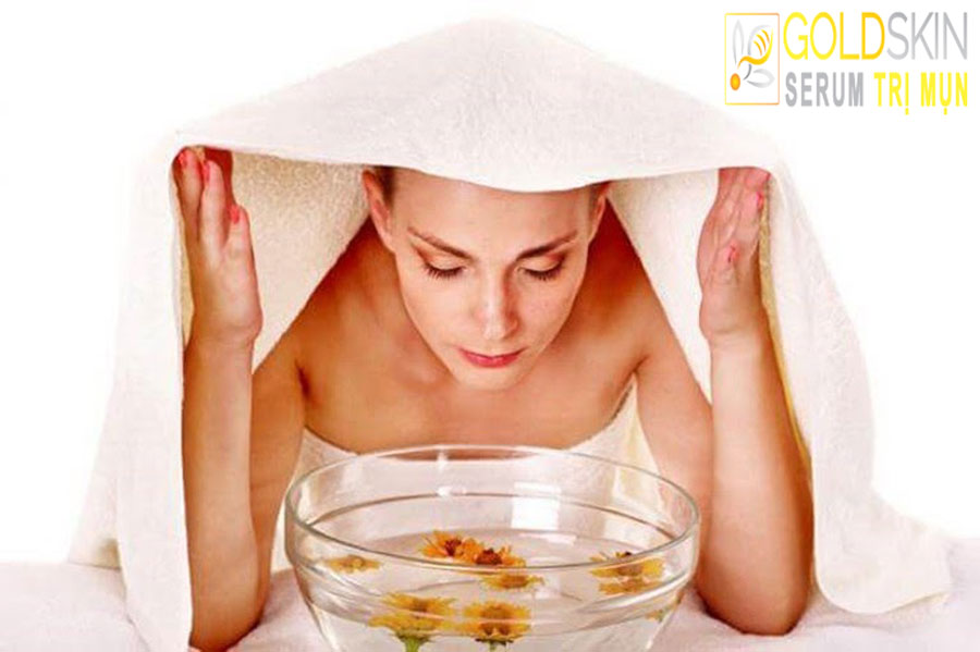 Xông hơi giúp kích thích sản sinh collagen tự nhiên, tăng cường độ ẩm cho làn da.