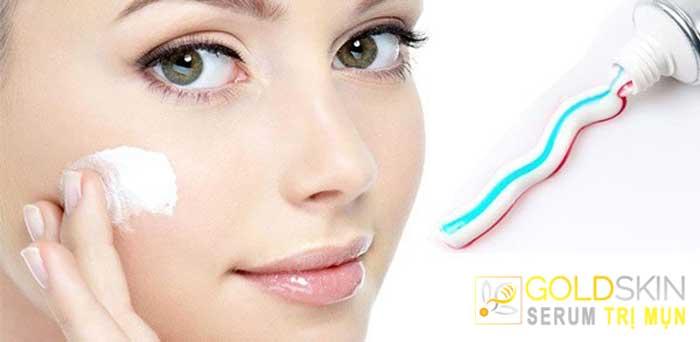 Trị mụn ẩn băng kem đánh răng có hại không