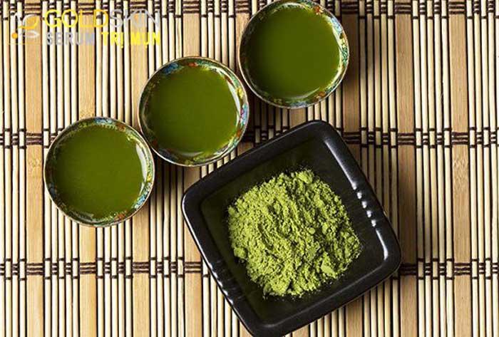 Sử dụng lá trà xanh là bí quyết trị mụn ẩn nhanh, đơn giản và hiệu quả