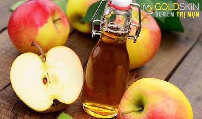 Giấm táo là bí quyết trị mụn ẩn an toàn hiệu quả